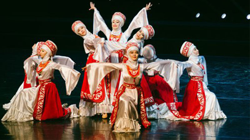 A dance group from Kyrgyzstan performs at the Beijing Dance Academy on Friday. It was part of the people-to-people exchange activities for artists from countries of the Shanghai Cooperation Organization. File photo: Li Hao/GT