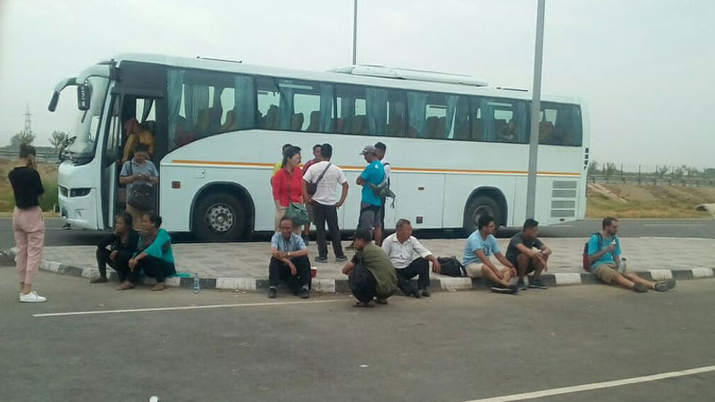 काठमाण्डाैँबाट दिल्ली जाने मञ्जुश्री यातायातको लापरबाही, नेपाली यात्रुलाई कष्ट